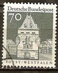 Sellos de Europa - Alemania -  El Osthofentor en Soest (b).