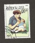 Sellos de Asia - Laos -  Madre dando de mamar