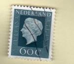 Sellos de Europa - Holanda -  Scott 465. Reina Beatriz