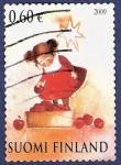 Stamps Finland -  FINLANDIA Niña con manzanas 0,60