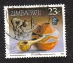 Sellos de Africa - Zimbabwe -  Olla de calabaza y agua