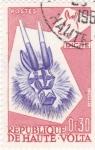 Sellos de Africa - Burkina Faso -  mascara- bicho