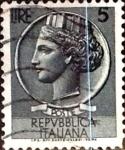 Sellos de Europa - Italia -  Intercambio 0,20 usd 5 liras 1955