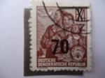 Stamps Germany -  DDR - Grupo Familiar - Fünfjahresplan.