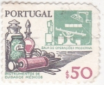 Stamps Portugal -  instrumentos de cuidados médicos