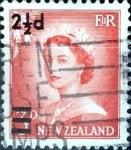 Sellos de Oceania - Nueva Zelanda -  Intercambio 0,20 usd 2,5 sobre 3 penny 1961