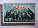 Sellos de Asia - Sri Lanka -  UN-1948-1958 .- Mano de Paz.