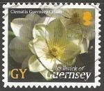 Sellos de Europa - Reino Unido -  Clematis Guernsey Cream