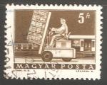 Sellos de Europa - Hungría -   Hydraulic lift truck & mail car.montacargas