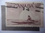 Stamps Canada -  Unuit, navegando en un Koyak en el Artico