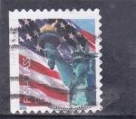 Sellos de America - Estados Unidos -  bandera y estatua de la libertad