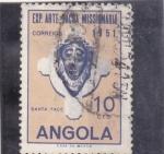 Sellos de Africa - Angola -  máscara- Cara Santa