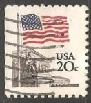 Sellos de America - Estados Unidos -  Bandera sobre la Corte Suprema