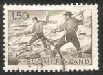 Sellos de Europa - Finlandia -  Conductores de troncos por el agua
