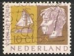Sellos de Europa - Holanda -  cabeza de chico y barco a vela