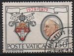 Sellos de Europa - Vaticano -  S. S.  PIO  XII  Y  ESCUDO