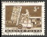 Stamps Hungary -  Carretilla elevadora hidráulica y el coche correo