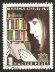 Sellos de Europa - Hungría -  Niña leyendo en una libreria