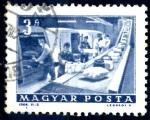 Stamps : Europe : Hungary :  HUNGRIA_SCOTT 1523.02 CINTA TRANSPORTADORA. $0,2