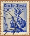 Stamps : Europe : Austria :  TRAJE REGIONAL FEMENINO – VIENA 1853
