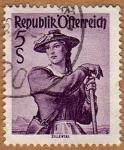 Stamps Austria -  TRAJE REGIONAL FEMENINO –ZILLERTAL