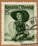 Stamps : Europe : Austria :  INT-TRAJE REGIONAL FEMENINO –PUSTERTAL-TIROL