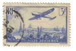 Sellos de Europa - Francia -  Avión sobrevolando Paris