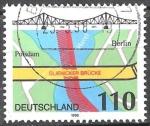 Sellos del Mundo : Europa : Alemania : Puente Glienicke a través de la Havel entre Potsdam y Berlín.