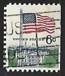 Sellos de America - Estados Unidos -  Bandera sobre la Casa Blanca