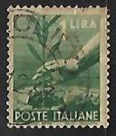 Sellos de Europa - Italia -  Mano plantando un olivo