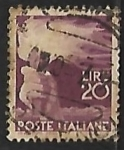 Stamps Italy -  Mano con antorcha