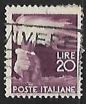 Sellos de Europa - Italia -  Mano con antorcha