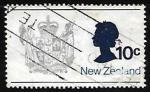 Stamps New Zealand -  Escudo de armas y la reina Elizabeth II