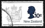Sellos del Mundo : Oceania : Nueva_Zelanda : Escudo de armas y la reina Elizabeth II