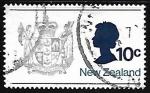 Sellos de Oceania - Nueva Zelanda -  Escudo de armas y la reina Elizabeth II