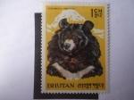 Sellos del Mundo : Asia : Bhután : Selenarctos Tibetanus - Oso.