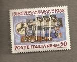 Sellos de Europa - Italia -  50 Aniversario victoria 1918