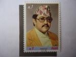 Stamps Asia - Nepal -  35° Cumpleaños del Rey Birendra