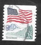 Sellos del Mundo : America : Estados_Unidos : 1811 - Bandera Nacional, y Parque de Yosemite