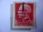 de Europa - Italia -  Esfinge del Rey Emmanuel III de Italia (a la Izquierda) Italia República Socialista.