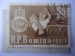 Stamps : Europe : Romania :  FAO - Campaña Global Contra el Hambre - Mujer Rumana de Campo.
