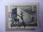 Stamps : Europe : Hungary :  Construcciones del Plan Quinquenal en Budapest - Újpesti Élmunkás Házak.