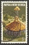 Stamps Oceania - Papua New Guinea -  192 - Vivienda indígena, en las montañas del este