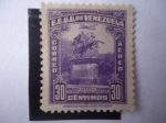 Stamps : America : Venezuela :  Monumento de Simón Bolivar en las Plazas de Caracas. 110 Aniversario de su Muerte.