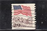 Sellos de America - Estados Unidos -  bandera estadounidense caras presidentes EE.UU