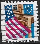 Sellos de America - Estados Unidos -  Bandera y porche
