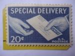 Sellos de America - Estados Unidos -  Special Delivery - Manos y Correspondencia - Entrega Especial
