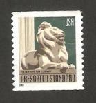 Stamps : America : United_States :  52 - Escultura de un león de la biblioteca pública de New York