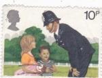 Stamps : Europe : United_Kingdom :  niños y policía