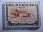 Sellos del Mundo : America : Honduras : Puente Juan Ramón Molina - En honor a Ramón Molina (1875-1908) Poeta Nicaraguense.